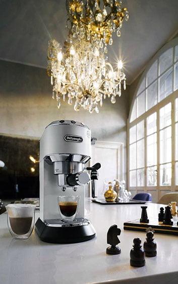 Beste im Test De Longhi Dedica Style EC 685 Espressomaschine.