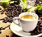 Espresso und Siebträgermaschine ergeben den perfekten Espresso serviert in einer original Espressotasse